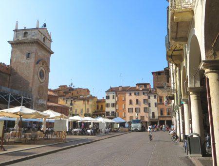 Piazza Erbe, Mantua